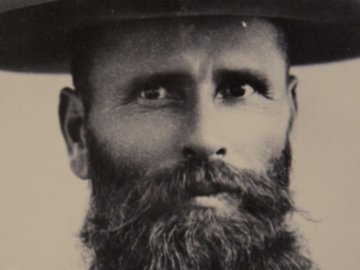Doc Middleton 806 beard with hat portrait