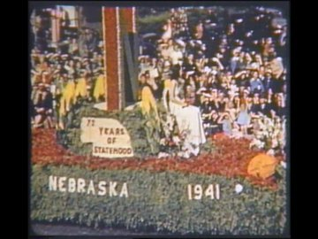 Huskers at Rose Bowl  float.jpg